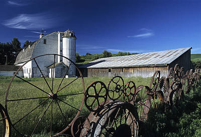 Wagon Wheel Barn Poster by Latah Trail Foundation