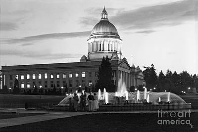 Poster featuring the photograph Washington State Capitol And Tivoli Fountain At Dusk 1950 by Merle Junk