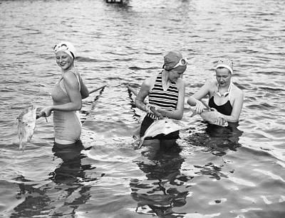 Women Gigging Fish In Miami Poster