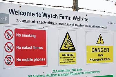 Wytch Farm Oil Well At Kimmeridge Bay Poster by Ashley Cooper