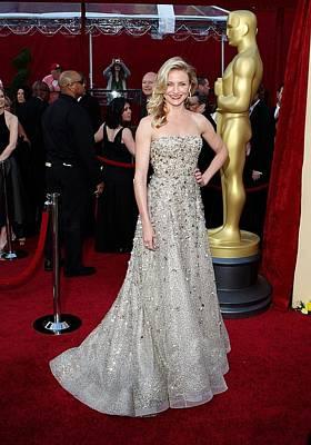 Cameron Diaz Wearing An Oscar De La Poster