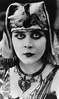 Cleopatra, Theda Bara, 1917 Poster by Everett