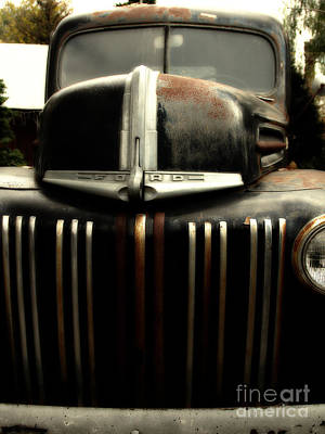 Nostalgic Rusty Old Ford Truck . 7d10281 Poster