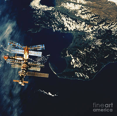 Mir Space Station Poster by Science Source