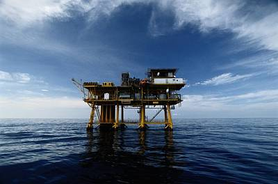 A Gas Platform In The Gulf Of Mexico Poster