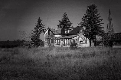 Poster featuring the photograph Abandoned Farm by Chuck De La Rosa