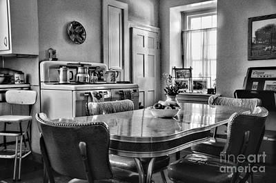 Americana - 1950 Kitchen - 1950s - Retro Kitchen Black And White Poster