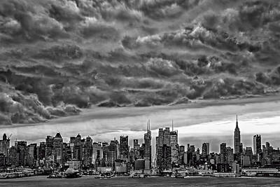 Angry Skies Over Nyc Poster by Susan Candelario