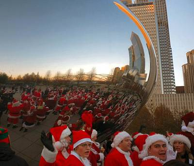 Architecture Chicago Cloud Gate With Santas Poster