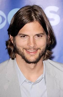 Ashton Kutcher At Arrivals For Cbs Poster by Everett