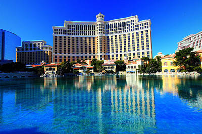 Poster featuring the photograph Bellagio Waters by Linda Edgecomb