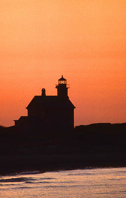Block Island North West Lighthouse Sunset Poster by Skip Willits