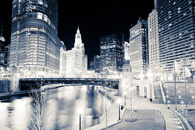 Chicago River At Wabash Avenue Bridge Poster by Paul Velgos