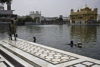 Clearing The Sarovar Inside The Golden Temple Resorvoir Poster by Ashish Agarwal