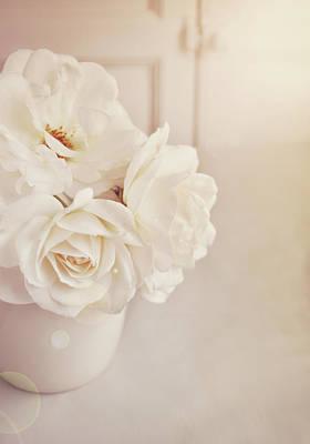 Cream Roses In Vase Poster