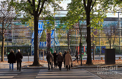 Entrance To Musee Branly In Paris In Autumn Poster