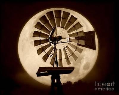 Fan In The Moon Poster