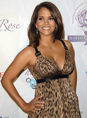 Halle Berry Wearing A Dolce & Gabbana Poster by Everett