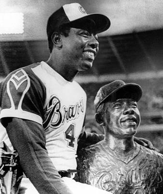 Hank Aaron Poses With Bust Of Himself Poster by Everett