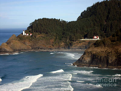 Poster featuring the photograph Heceta Head Lighthouse And Lightkeepers House by Glenna McRae