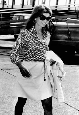 Jacqueline Kennedy Onassis Walks Poster by Everett