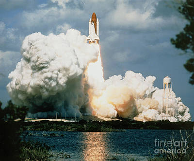Launch Of Shuttle Atlantis On Sts-34 Poster by NASA / Science Source