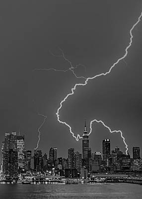 Lightning Bolts Over New York City Bw Poster by Susan Candelario