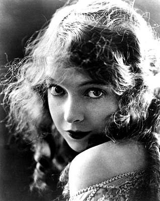 Lillian Gish, Ca. Late Teens Poster by Everett