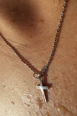 Necklace With Cross - Skin With Waterdrops Poster