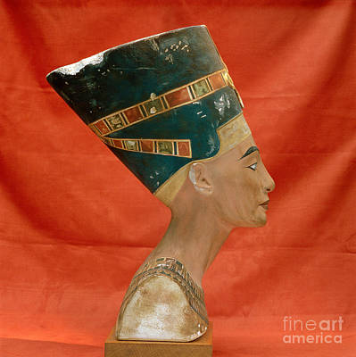 Nefertiti, Ancient Egyptian Queen Poster by Science Source