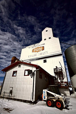 Old Grain Elevator Saskatchewan In Winter Poster