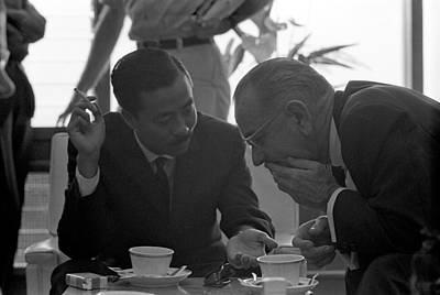 President Lyndon Johnson Talks Poster by Everett