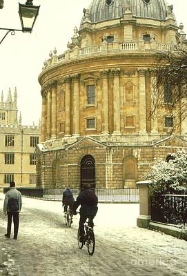 Radcliffe Camera In The Snow Poster by Anne Gordon