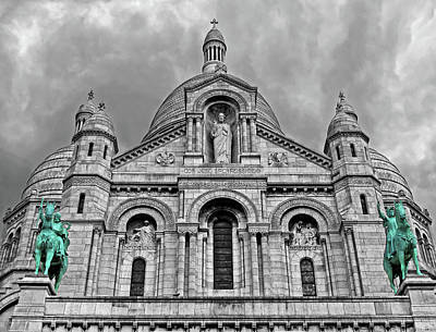 Poster featuring the photograph Sacre Coeur Montmartre Paris by Dave Mills