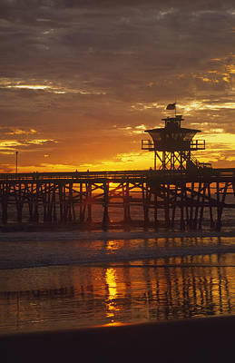 San Clemente Lifeguard Tower And Pier At Sunset Poster by Cliff Wassmann