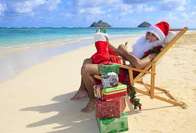 Santas Christmas Vacation Poster by Tomas del Amo