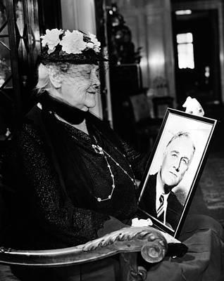 Sara Delano Roosevelt Admiring Poster by Everett