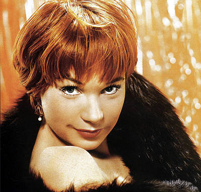 Shirley Maclaine, No Date Poster by Everett