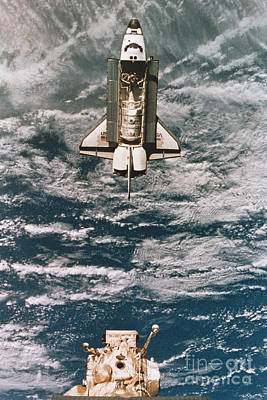 Space Shuttle Atlantis Poster by Science Source