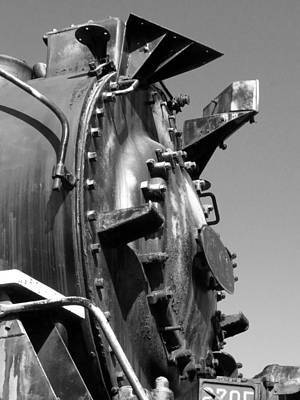 Poster featuring the photograph Steme Engine Front Black And White by Darleen Stry