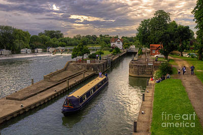 The River Thames At Goring Poster by Rob Hawkins