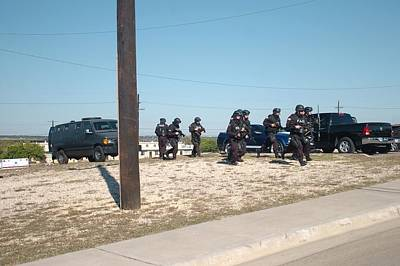 Us Army Swat Team Approaching Poster