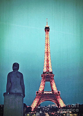 Viewing The Eiffel Tower Poster