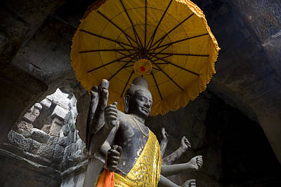 Vishnu Statue At The Entrance Of Angkor Poster
