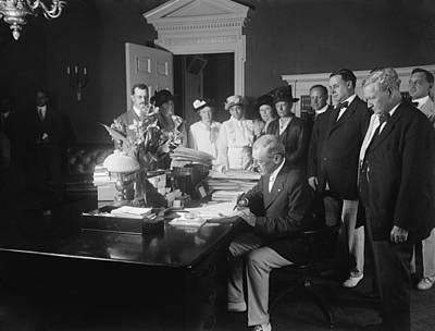 Woodrow Wilson Signing The Child Labor Poster