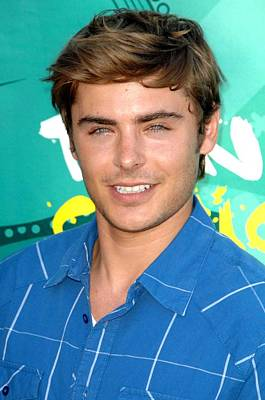 Zac Efron At Arrivals For Teen Choice Poster by Everett