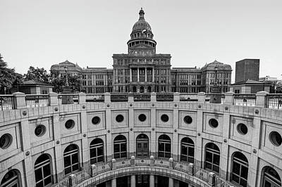 Austin Texas Usa State Capitol - Black And White Edition Poster