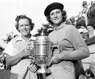 Patty Berg And Babe Didrikson Poster by Underwood Archives
