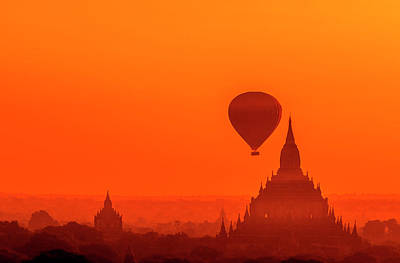Bagan Pagodas And Hot Air Balloon Poster