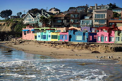 Capitola Beach Rentals Four Poster by Joyce Dickens